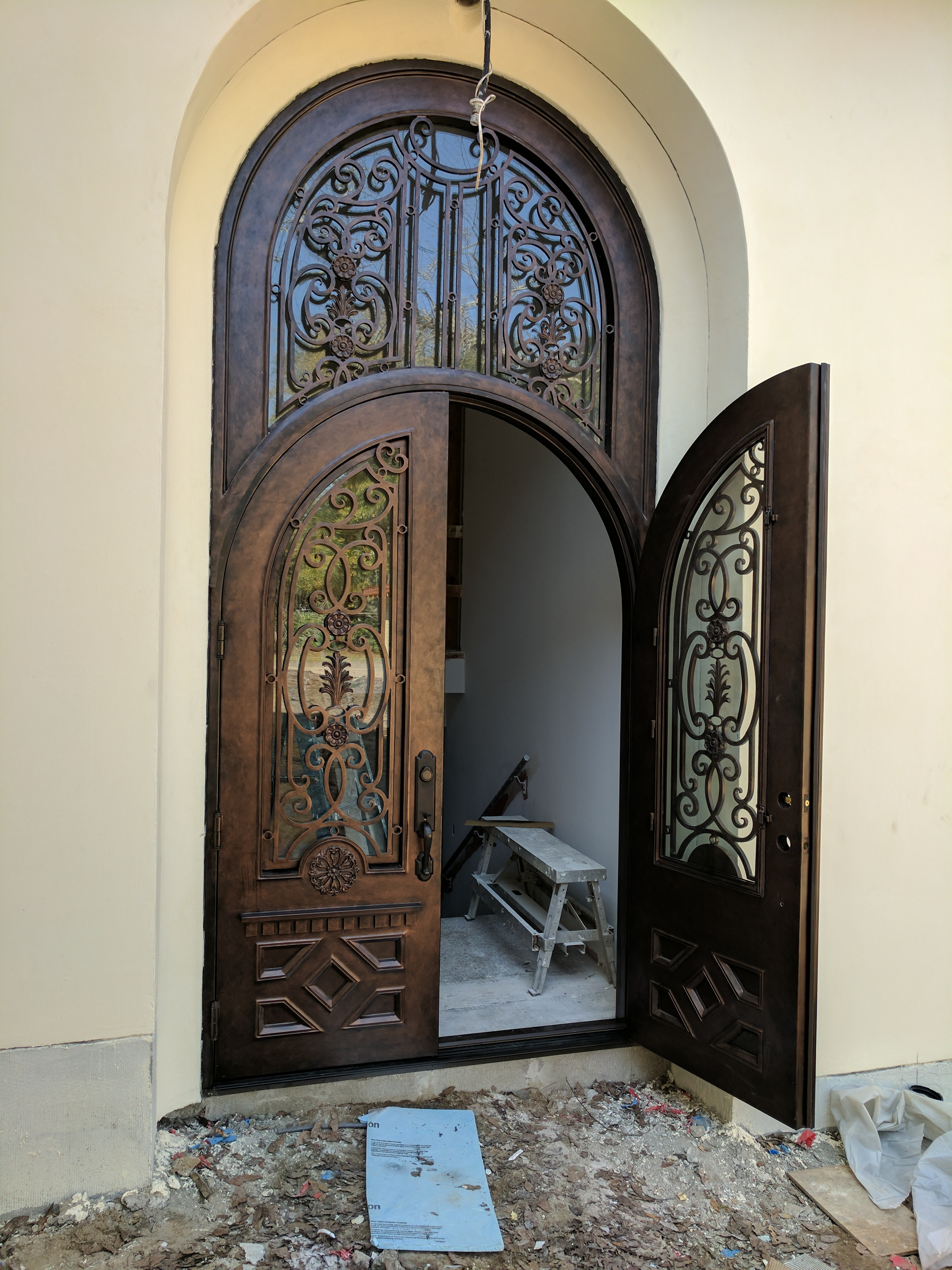 ROUND TOP IRON DOUBLE DOOR WITH TRANSOM