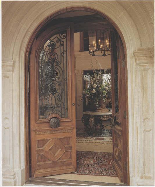 ROUND TOP DOUBLE DOOR WITH IRON